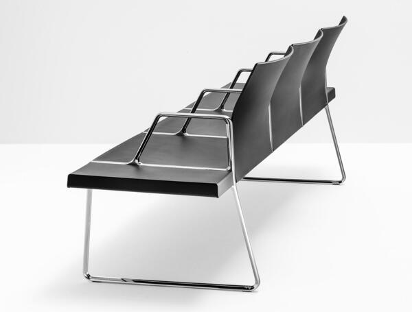Cadeiras modulares Pedrali para salas de espera