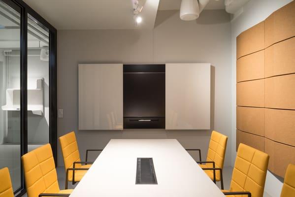 Quadros brancos com compartimento da marca sueca Abstracta