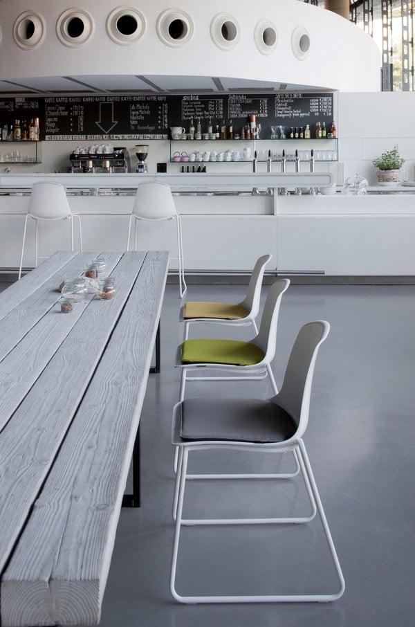 Zona lounge com bancos decorativos luxy epoca