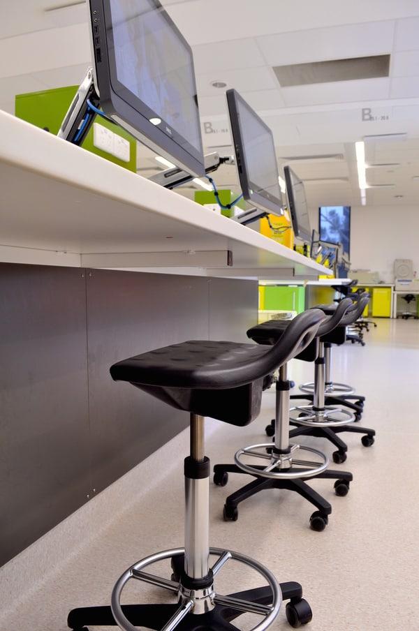 Cadeiras de laboratório e indústria da marca alemã