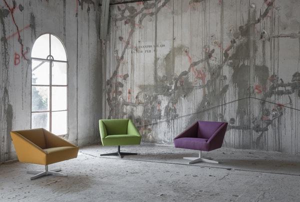 assento lounge num armazém
