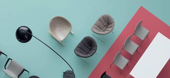 A Pedrali tem uma vasta coleção de cadeiras modernas que servem em variados contextos