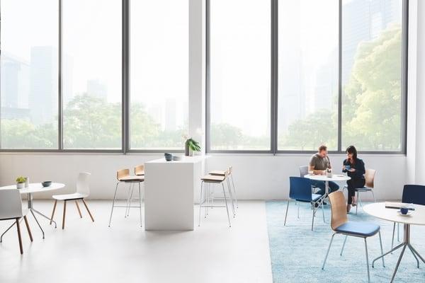 Espaço lounge com mobiliário da marca alemã
