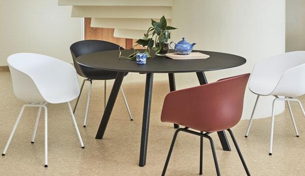 Mesa redonda de design escandinavo Hay