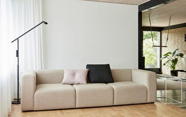 Os candeeiros de sala Hay podem ser de tecto, de chão ou de mesa
