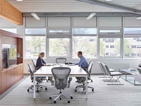 Mobiliário de escritório ergonómico Herman Miller