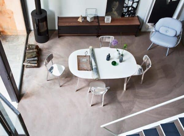Cadeiras de design da marca italiana em sala de jantar