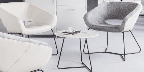 Mesa de centro Zuco, com cadeiras da mesma linha - Züco Averio
