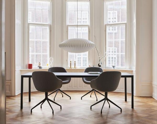 Mesa de reunião informal de design escandinavo Hay