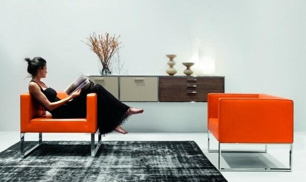 As poltronas modulares fazem parte do portefólio de móveis de sala de estar da marca alemã