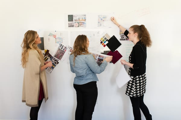 As soluções da marca Idea Paint passam por primários para paredes em branco, transparente e magnético