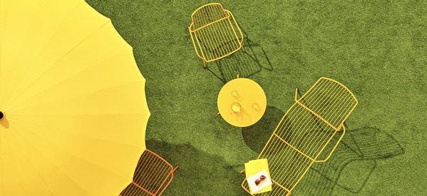Os tampos de mesa Pedrali podem ter várias cores e serem feitos de vários materiais