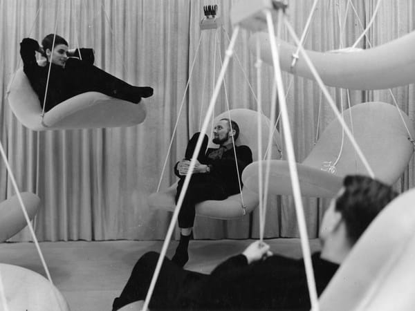 Flying chair, uma peça de Verner Panton