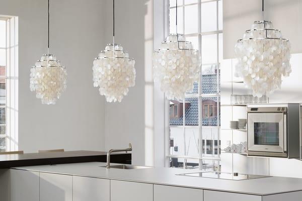 Iluminação interior Verpan com conchas pendentes