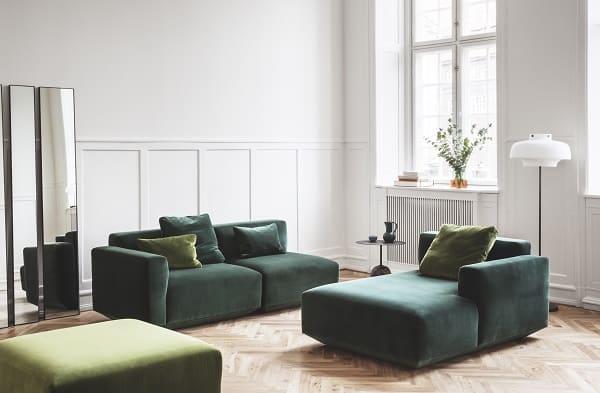 Sofás e móveis modernos de sala de estar