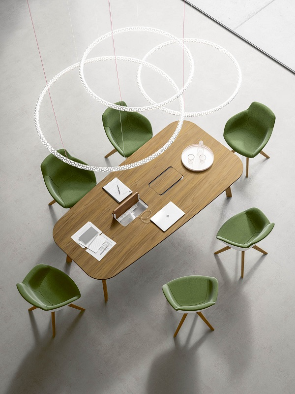 Cadeiras operativas acolchoadas da marca italiana